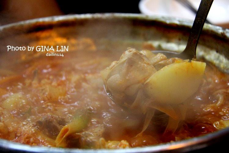 【弘大美食】首爾弘益大學| 辣雞一隻雞|아우네 돼지불백 @GINA環球旅行生活|不會韓文也可以去韓國 🇹🇼