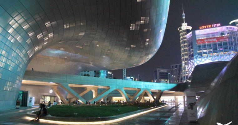 東大門DDP設計廣場/Dongdaemun Design Plaza+來自星星的你韓劇場景拍攝現場特展 동대문디자인플라자 @Gina Lin