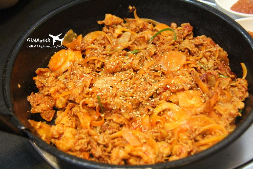 【新沙林蔭大道美食】江南辣炒豬肉|韓式蒸蛋、味噌湯|韓國古早味便當盒紫米飯|附地圖、交通方式、超多韓星光顧過 @GINA環球旅行生活