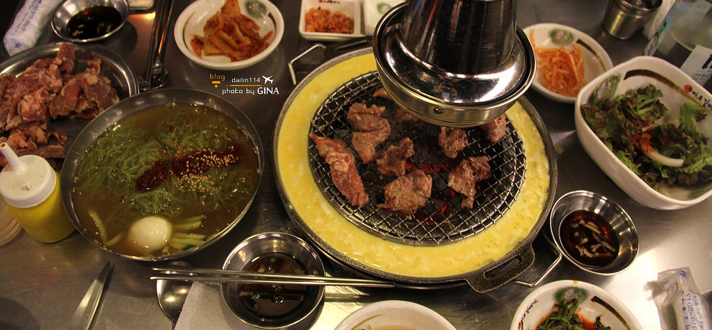 【弘大烤肉】新麻蒲海鷗(마포갈매기)有點令人銷魂的韓國烤肉 @GINA環球旅行生活