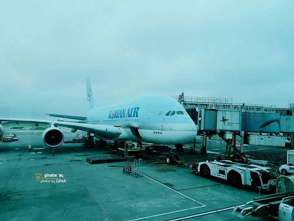 韓國首爾飛行》大韓航空巨無霸A380 仁川國際機場-台北桃園機場 KE691/KE692 行李1+1規定 @Gina Lin