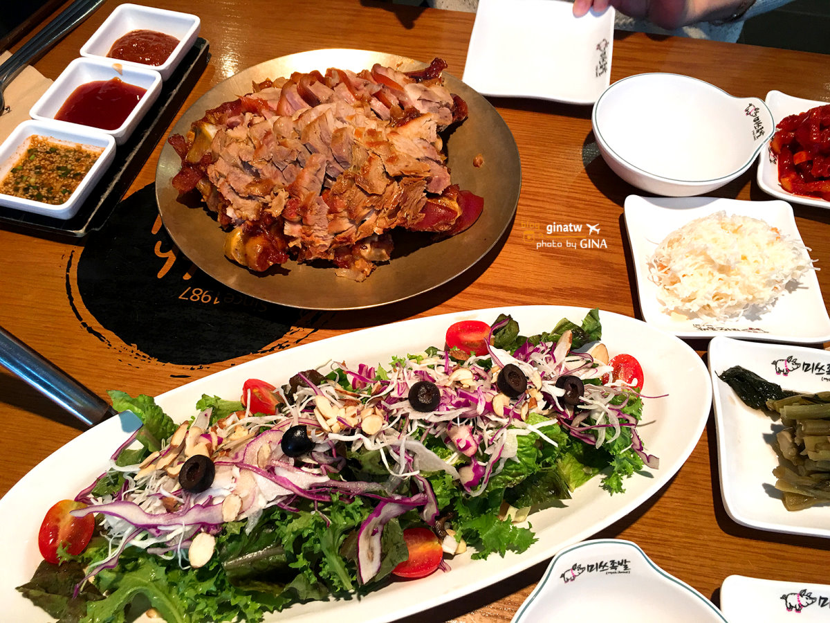 【弘大豬腳小姐】2020首爾必吃|本店 30年傳統|韓國豬腳讓你吃一次就愛上!吃吃喝喝逛街掃貨去!附吃貨地圖 @GINA環球旅行生活|不會韓文也可以去韓國 🇹🇼