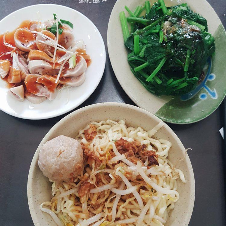 【板橋在地人美食】如意擔仔麵|菜單、營業時間|意麵、米粉、粿仔條|台灣小菜-燙青菜、嘴邊肉、生腸、海鮮料理 @GINA旅行生活開箱