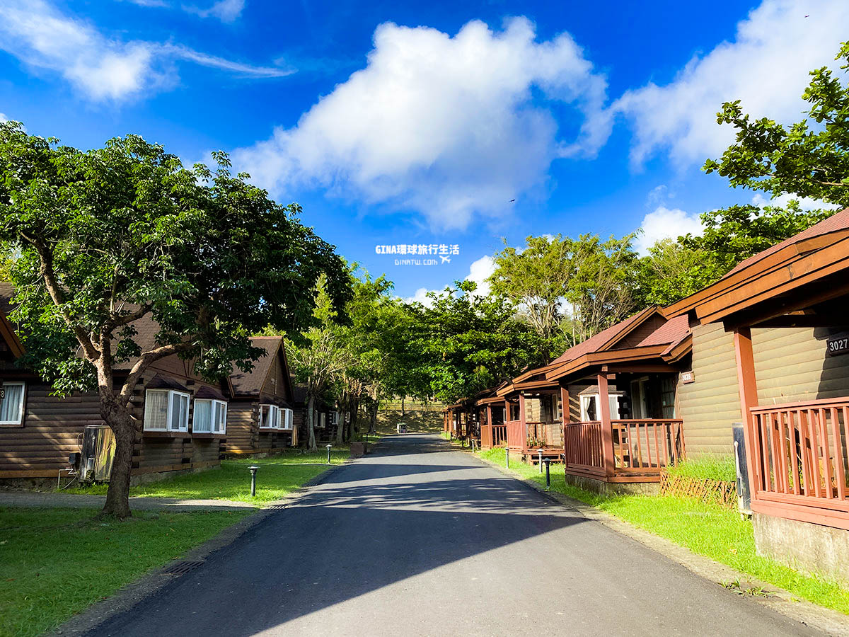 【墾丁飯店住宿】小墾丁度假村|小木屋森林、超大戶外游泳池|自助早餐、餐廳餐點 @GINA環球旅行生活